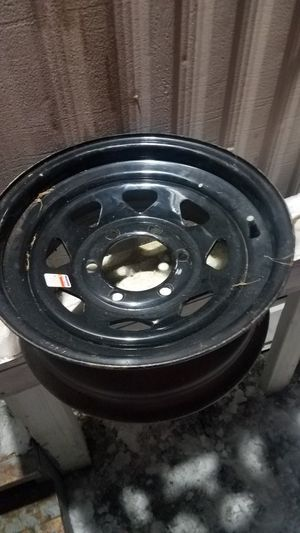 4 wheels 6 lug gm n Toyota 15in for Sale in Mansfield, OH