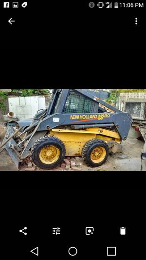 2 - SKID STEERS 2004 new holland ls180 for Sale in Philadelphia, PA