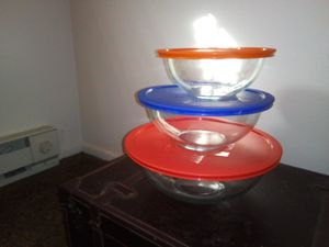 Pyrex bowls with lids for Sale in Oklahoma City, OK