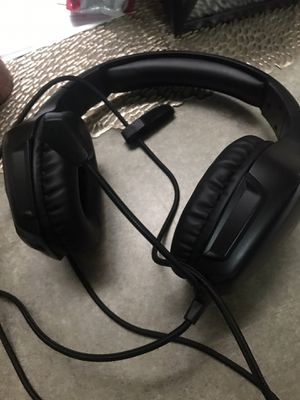 Gaming headphones compatible with ps4 Xbox for Sale in Mesa, AZ