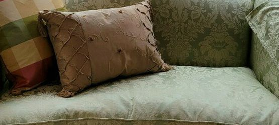 Green Loveseat Only $300 for Sale in Irwin,  PA