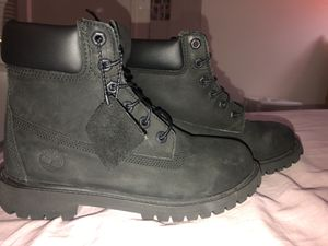 Black Timberlands Sz 5.5Y for Sale in Annandale, VA