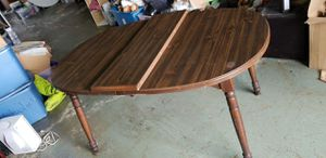 Kitchen table with middle piece for Sale in Shelbyville, TN