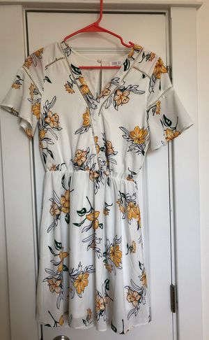 Cute White Floral Spring Dress Ladies Sz small for Sale in Columbus, OH
