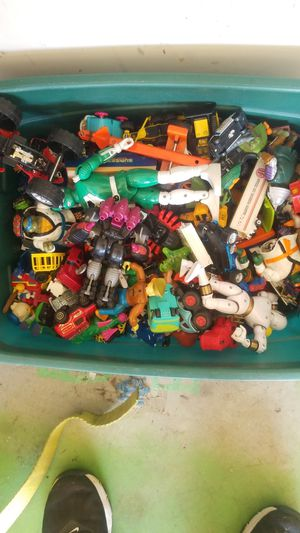 BOX of toys from 1983 might have some collectables for Sale in Mansfield, TX