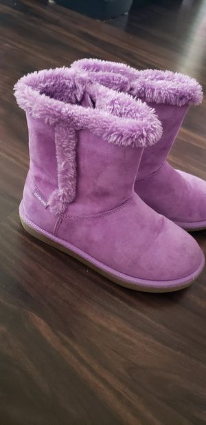 Lil girls purple fuzzy boots for Sale in San Jacinto, CA