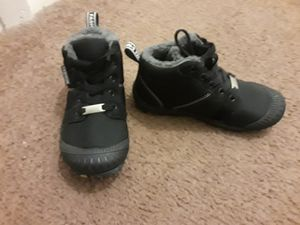 Kids waterproof snow boots, Size 12 for Sale in Livonia, MI