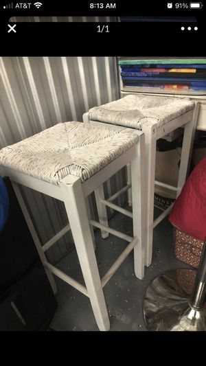 2 bar stools for Sale in St. Petersburg, FL
