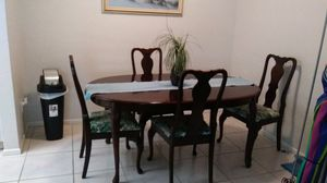 Antique Dining room table with 4 chairs for Sale in St. Petersburg, FL