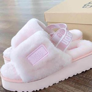 Ugg Slippers for Sale in San Antonio, TX