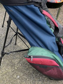 Golf Carry Bag With stand for Sale in Mukilteo,  WA