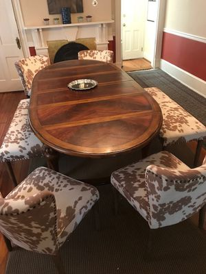 Awesome dining room table for Sale in Washington, DC