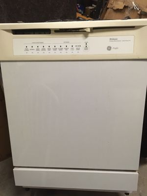GE Profile Dishwasher for Sale in Laurel, DE