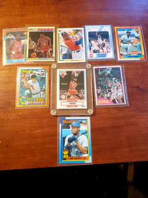 Baseball/Basketball Cards/Mint Condition (MJ, Griffey, Magic, Frank Thomas,Cal Ripken) for Sale in Fullerton, CA