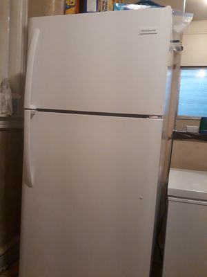 Frigidaire Refrigerator for Sale in Philadelphia, PA