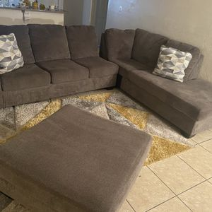 Grey Sectional & Ottoman for Sale in Fort Myers, FL