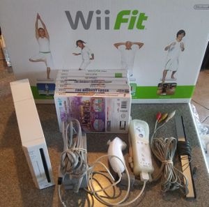 Nintendo Wii Bundle - Fit Board, Wii Remote & Nunchuck, All Cords, 7 Games (A Lot of Fitness) for Sale in Chandler, AZ