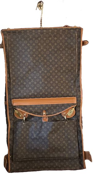 Louis Vuitton Large Vintage Garment Bag W/ Keys, 2 Extra Small Bags, & 5 Hangers for Sale in Dallas, TX