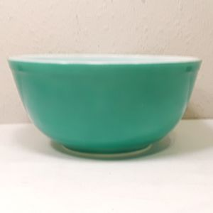 Vintage Pyrex Green Nesting Mixing Bowl for Sale in Garden Grove, CA