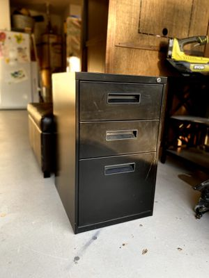 Metal Filing Cabinet for Sale in Lake Forest, CA