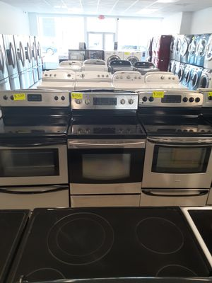 🔥🔥Samsung electric stove in excellent condition 90 days warranty 🔥🔥 for Sale in Mount Rainier, MD