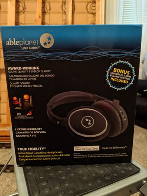 Noise cancelling headphones for Sale in Columbus, OH