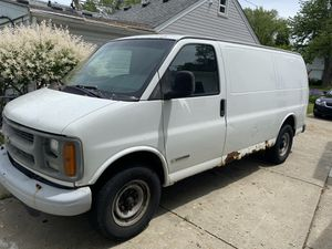 2002 Chevy express van for Sale in Troy, MI