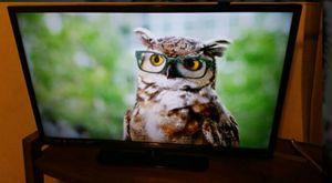 32 inch TV w/playstation 2 for Sale in Phoenix, AZ