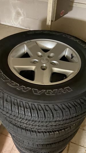 5 Jeep Wrangler wheels for Sale in Washington, DC