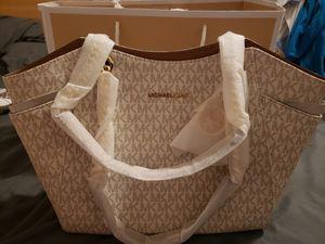 Michael Kors Shoulder Bag for Sale in Moreno Valley, CA