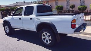 Sunroof 2003 Toyota Tacoma for Sale in Columbus, OH