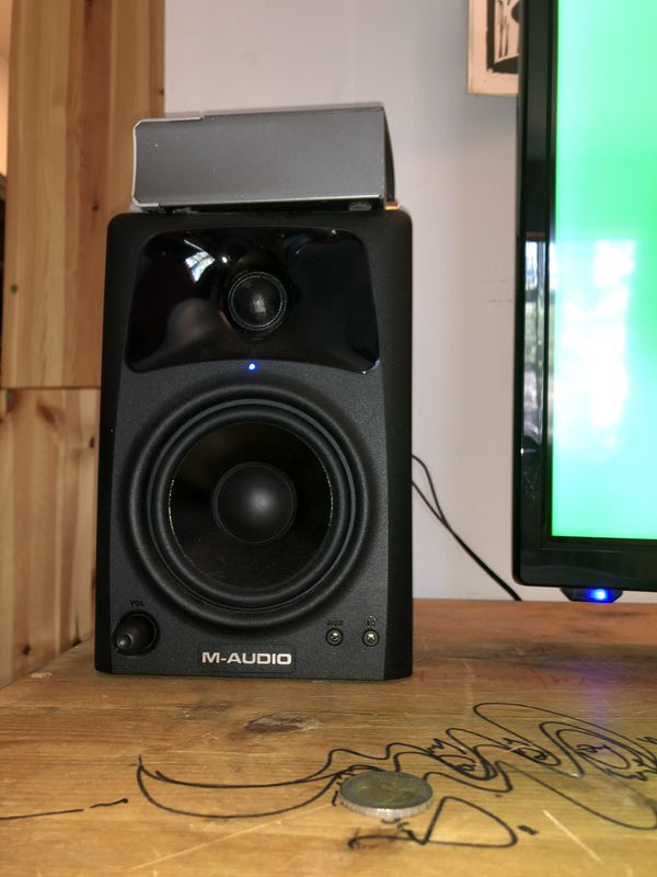 Xbox One 1TB , Element 32'' Flatscreen TV, M-Audio Dual Speakers