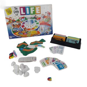 Vintage game of life board game complete set for Sale in Jurupa Valley, CA