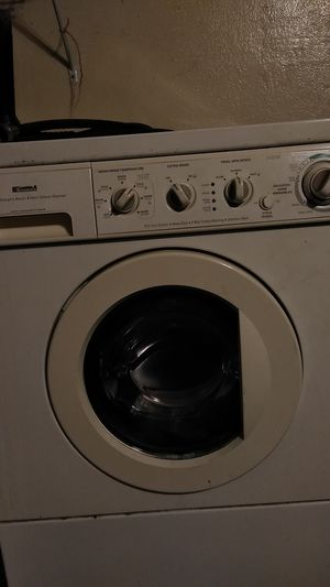 Kenmore still run starting to get loud great for single person or small family got a nother washer $130.0 for Sale in Lynwood, CA