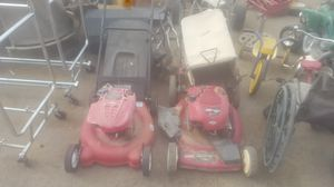 2 lawn mowers with bag catchers for Sale in Phoenix, AZ