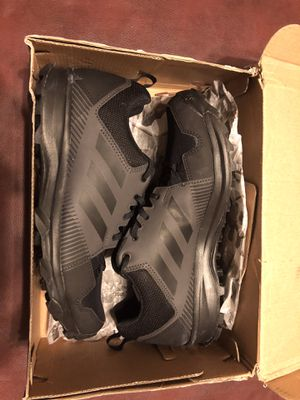 Adidas outdoor Men's Terrell Tracerocker Trail Running Shoe, Utility Black. 8.5 D US for Sale in McKinney, TX