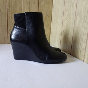 Michael By Michael Kors Black Genuine Leather Womens Boots Size 9 M for Sale in Redmond, WA