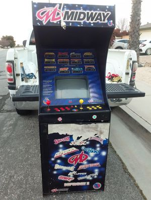 Midway arcade game 12 in 1 for Sale in Hesperia, CA