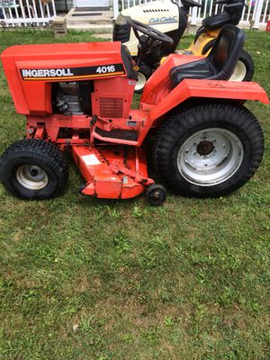 Ingersoll heavy duty tractor. New engine. Runs great. Has a blade that comes with for Sale in Mansfield, OH