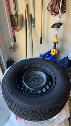 Mercedes sprinter rims and tires. for Sale in Temecula, CA