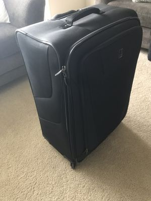 "29"" Travel Pro Suitcase for Sale in Austin, TX"