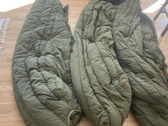 USAF Green Cold Weather sleeping bags for Sale in Colorado Springs,  CO