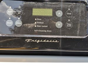 Frigidaire Stove & Oven for Sale in Oscar, LA