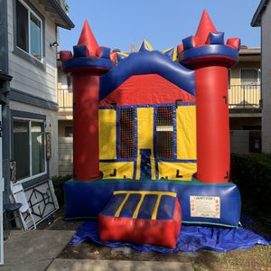 11x11 Castle Jumper for Sale in Carson, CA