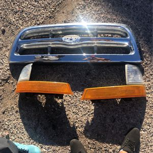 Headlights And Grill for Sale in Las Vegas, NV