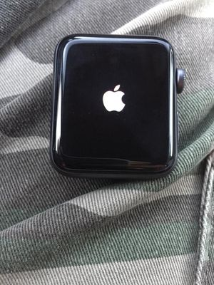 Apple Watch series 3 42mm activation lock for Sale in Hayward, CA