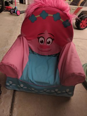 Kids trolls poppy chair for Sale in Murrieta, CA