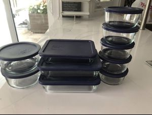 10 Pyrex Glass containers With Lids for Sale in Miami, FL