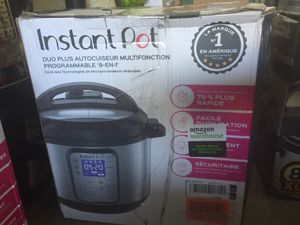 Instant pot 7 en 1 for Sale in Raleigh, NC