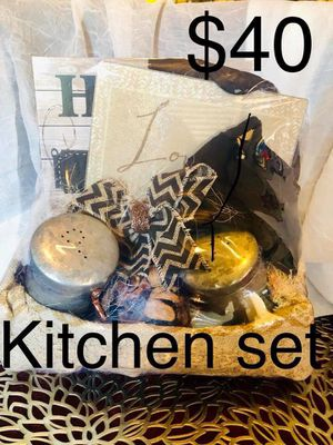 Kitchen gift basket for Sale in Temecula, CA